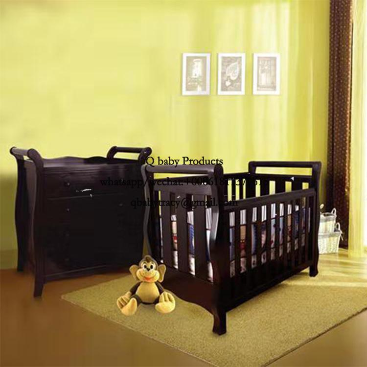 WOODED BABY CRIB 156
