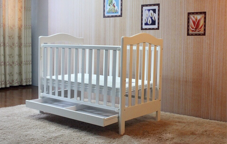 WOODED BABY CRIB 282